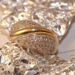 Bague-pavée-or-et-diamants